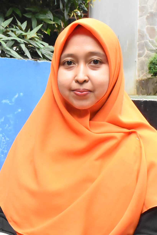 Jennie Nuari Juwita, S.Pd.